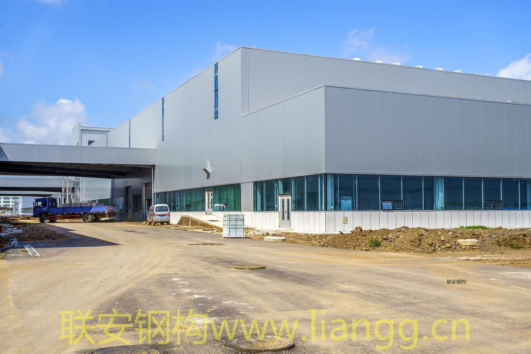 钢结构工程案例:新华都(福建)物流有限公司